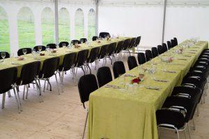 Bordopstilling til teltfest