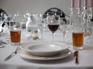 Fest arrangement borddækning